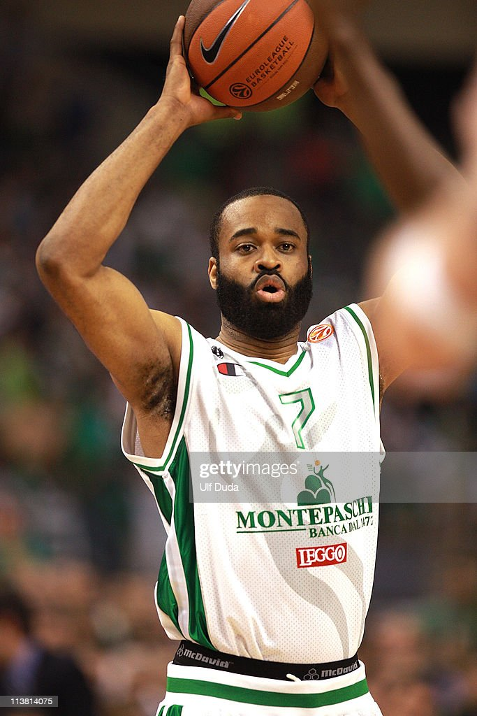 Malik Hairston, #7 of Montepaschi Siena in action during the Turkish Airlines Euroleague Final Four Semifinal B between Panathinaikos Athens vs Montepaschi Siena at Palau Sant Jordi on May 6, 2011 in Barcelona, Spain.