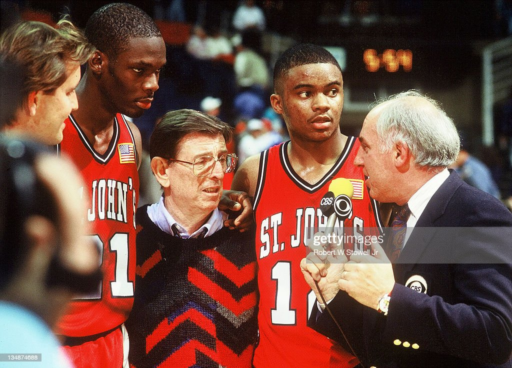 Billy Packer Interviews St. John's Coach And Players : News Photo