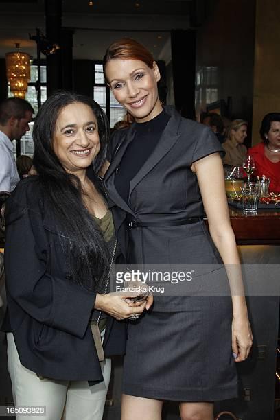 Malika Filali Mit Tochter Yasmina Filali Beim Dkms Life Ladies Lunch In Der Bank In Hamburg