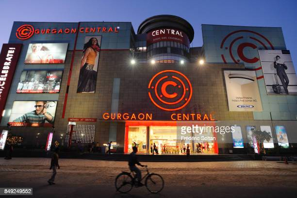 Mall center in Gurgaon Gurgaon is the industrial and financial center of Haryana Over the past 25 years the city has undergone rapid development and...