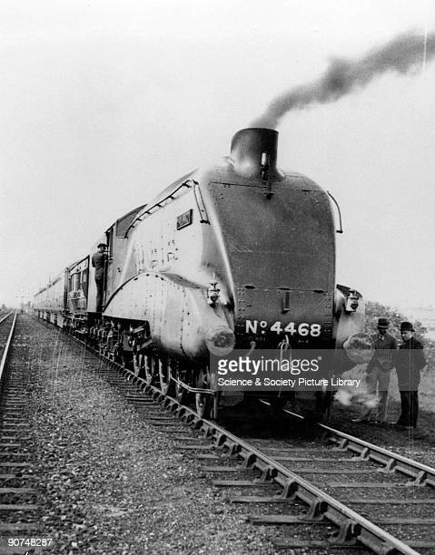 Mallard on Sunday 3 July 1938 at Barkston on the East Coast Main Line just prior to its recordbreaking run The locomotive reached a speed of 126 mph...