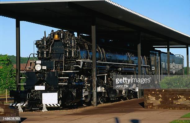 Mallett 2-8-8-4 locomotive ( 1953 ) in Two Harbors