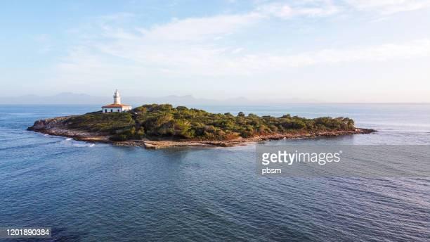 vista panorámica aérea de la costa de mallorca - islas baleares fotografías e imágenes de stock
