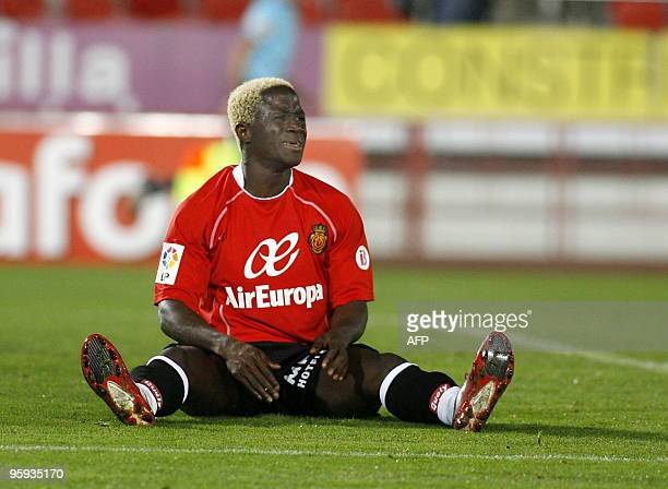 Mallorca's Guinean forward Alhassane Keita reacts during a Spanish King's Cup football match against Getafe on January 20, 2010 at Ono Stadium in...