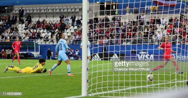 Mallory Pugh of USA scores their 11th goal during the 2019 FIFA Women's World Cup France group F match between USA and Thailand at Stade Auguste...