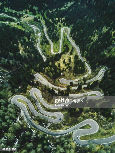 route en Suisse du col de Maloja à l'automne
