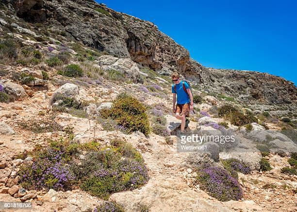 Malta, Ghar Lapsi, McCartheys Cave, rock climber