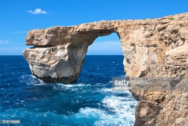 malta gozo azure window - dwejra stock-fotos und bilder