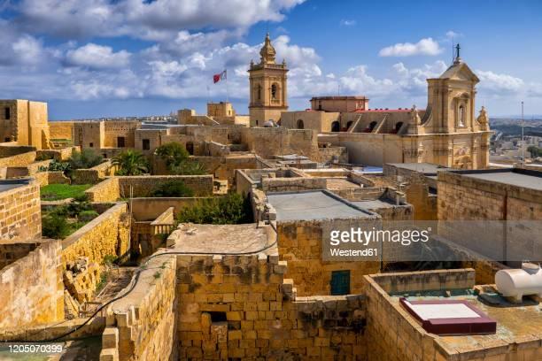 malta, gozo, victoria, cittadella and surrounding old town houses - ラバト ストックフォトと画像