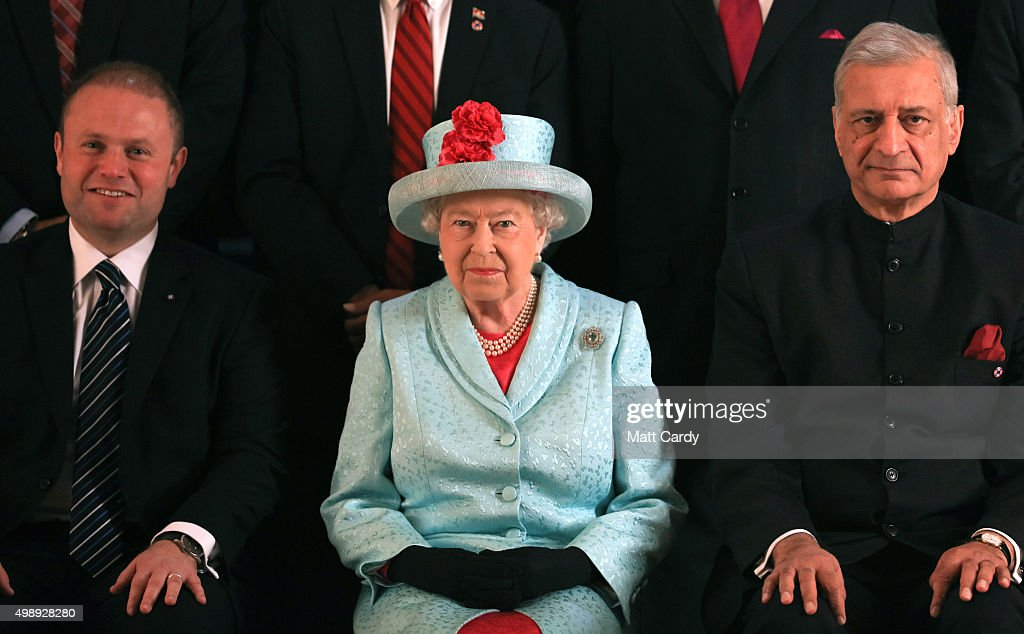 The Queen And Senior Royals Attend The Commonwealth Heads Of Government Meeting - Day Two : Nachrichtenfoto