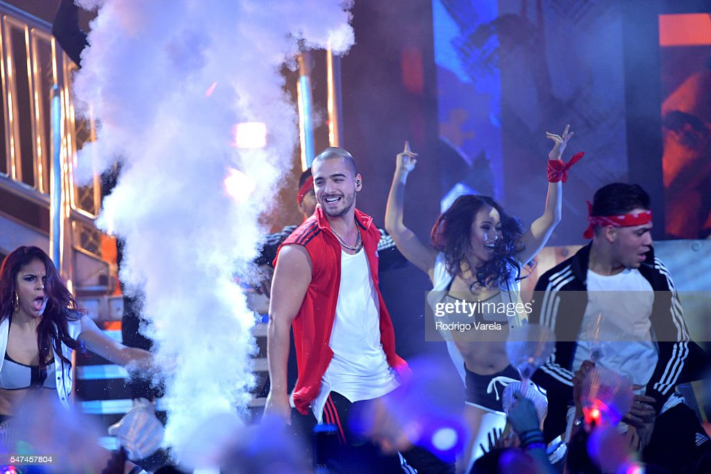 Maluma performs onstage at the Univision's 13th Edition Of Premios Juventud Youth Awards at Bank United Center on July 14, 2016 in Miami, Florida.