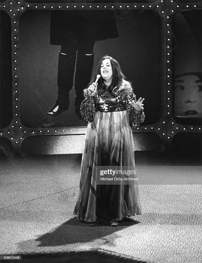 """The Mama Cass Television Program"" Performance : News Photo"
