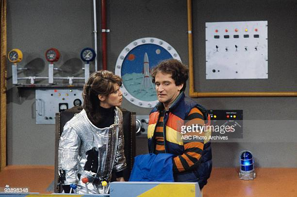 MORK MINDY Mama Mork Papa Mindy 11/5/81 Pam Dawber Robin Williams