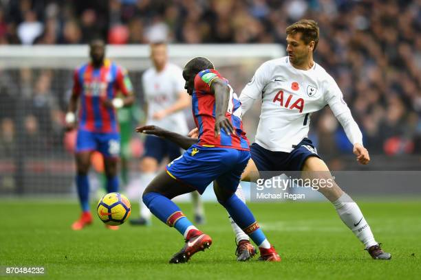 Mamadou Sakho of Crystal Palace and Fernando Llorente of Tottenham Hotspur battle for possession during the Premier League match between Tottenham...