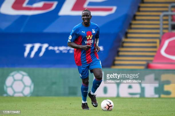 Mamadou Sakho of Crystal Palace controls the ball during the Premier League match between Crystal Palace and Everton at Selhurst Park on September...
