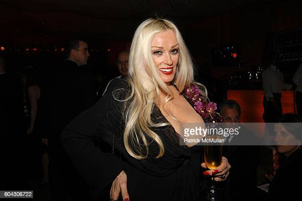 Mamie Van Doren attends Vanity Fair Oscar Party at Morton's Restaurant on March 5 2006