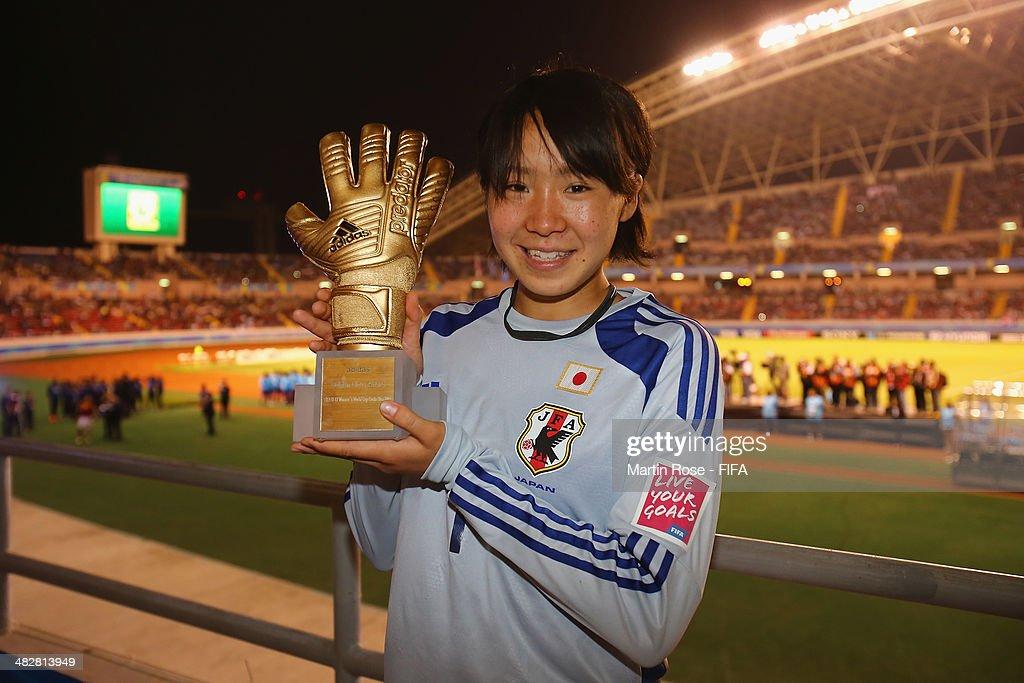 Mamiko Matsumoto of Japan wins the adidas Golden Glove during the FIFA U-17 Women's World Cup 2014 final match between Japan and Spain at Estadio Nacional on April 4, 2014 in San Jose, Costa Rica.