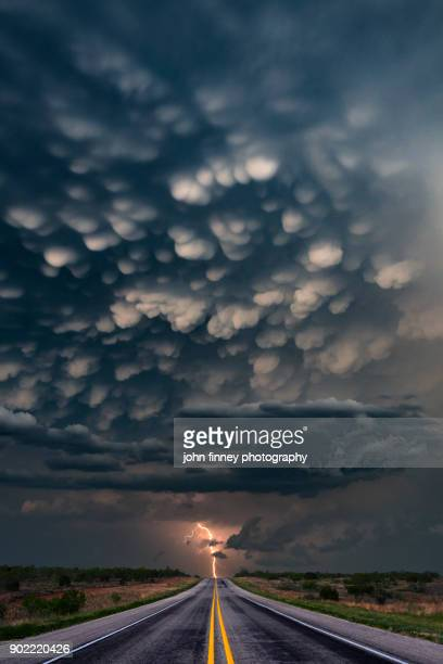 mammatus lightning bolt, texas, usa - country texas lightning stock pictures, royalty-free photos & images