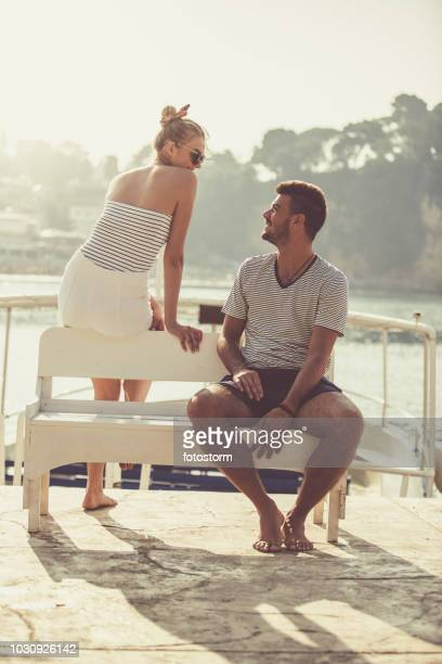 Mann und Frau Flirten