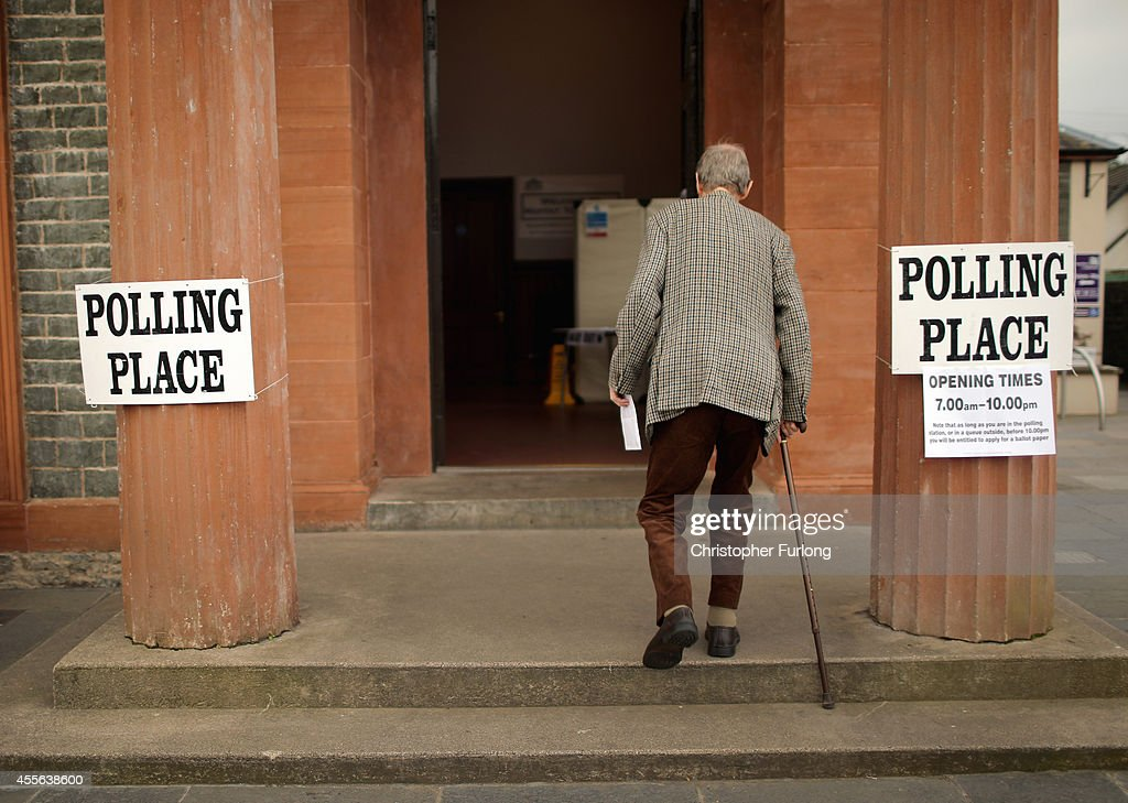 People Of Scotland Take To The Polls To Decide Their Country's Fate In Historic Vote : News Photo
