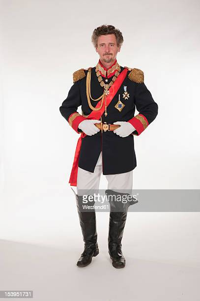 man as king ludwig of bavaria, portrait - koning koninklijk persoon stockfoto's en -beelden