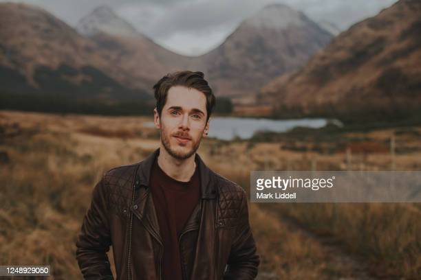 man at glen etive in the highlands of scotland - strathclyde stock pictures, royalty-free photos & images