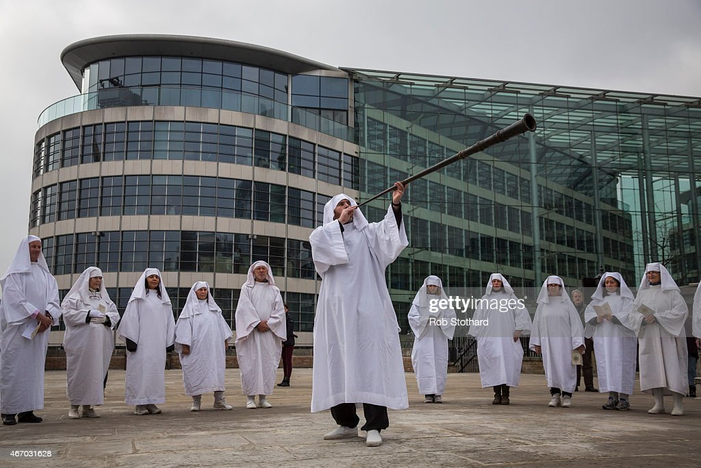 Druids Celebrate The Spring Equinox At The Tower Of London : News Photo