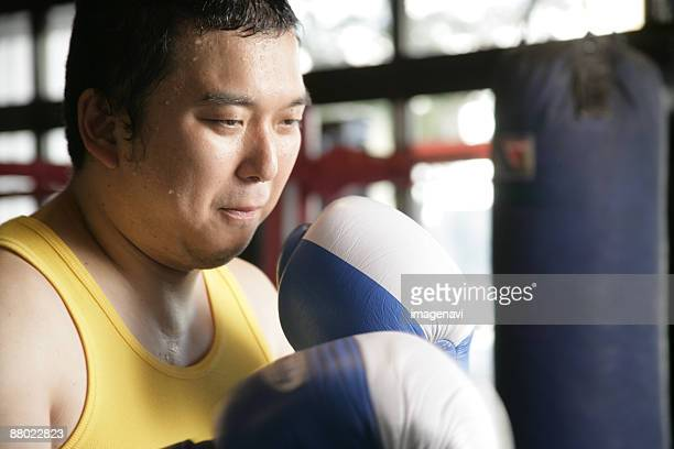 a man boxing - metabolic syndrome stock pictures, royalty-free photos & images