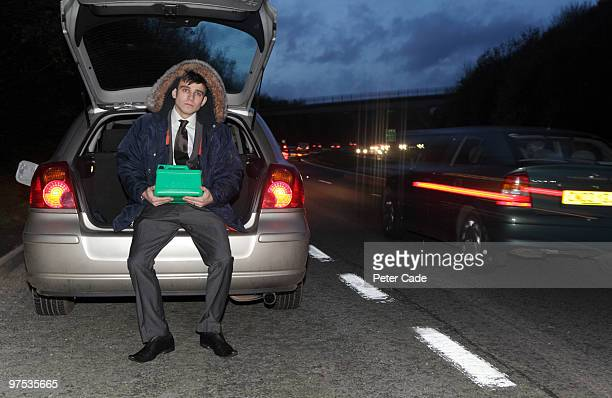man broken down at the side of the road - vehicle breakdown stock pictures, royalty-free photos & images