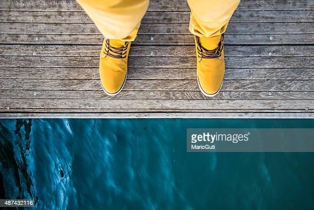 Hombre por el lago