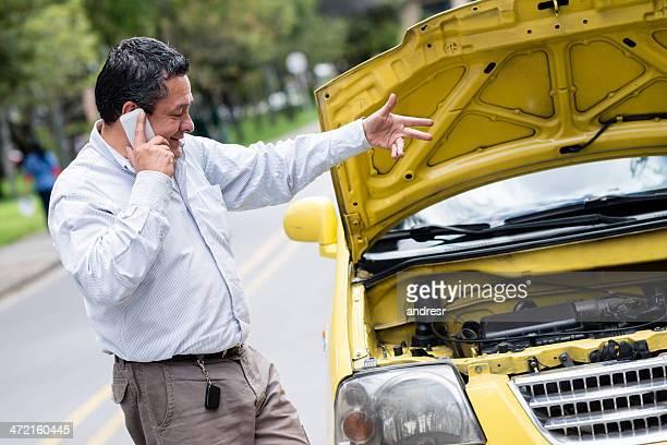 Man calling his car insurance
