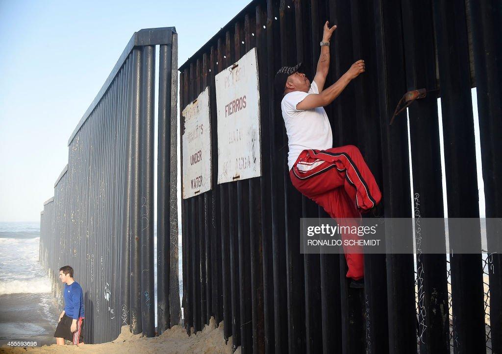 MEXICO-US-MIGRATION-BORDER : News Photo