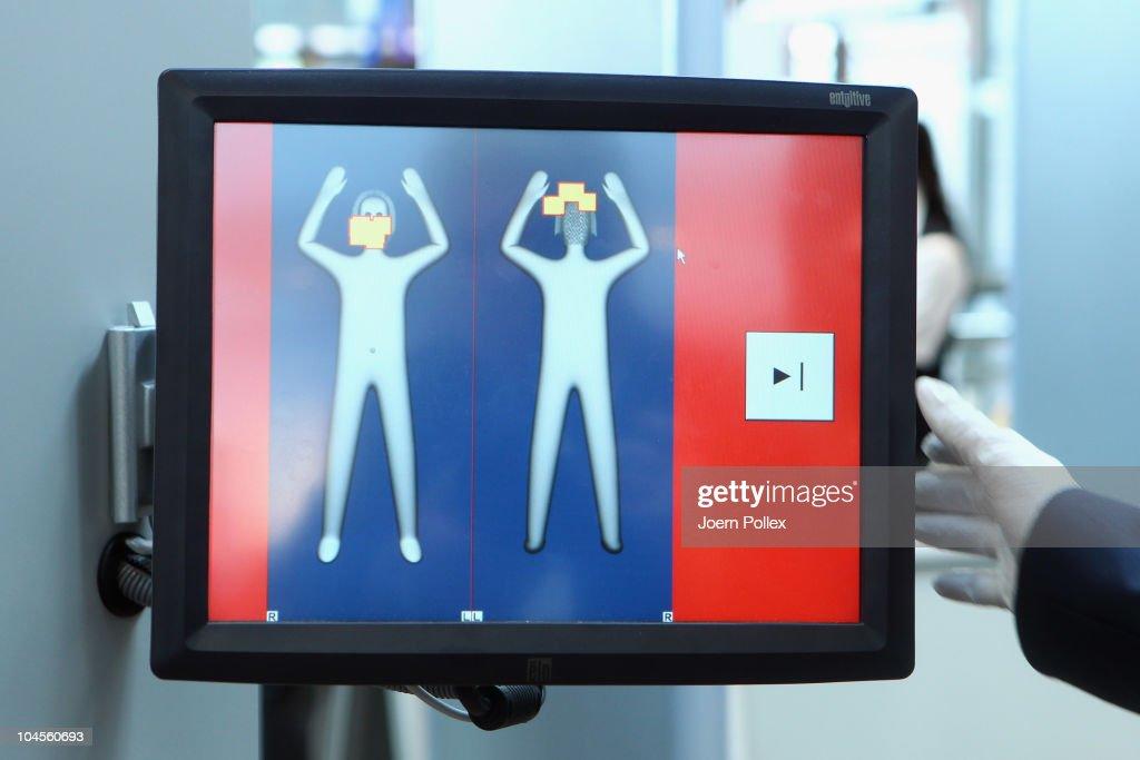 Hamburg Airport To Test Full Body Scanner : News Photo
