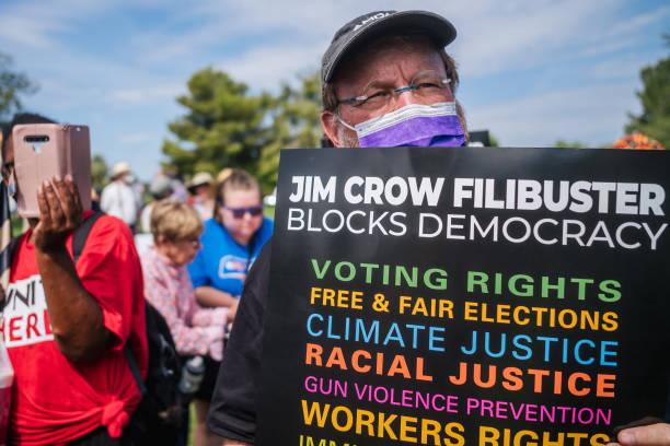 AZ: Rev. Jesse Jackson Marches With Local Phoenix Activists To Sen. Sinema's Office