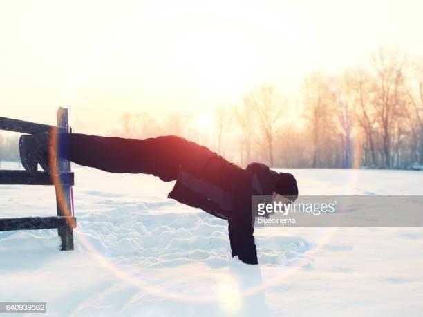 Mann tun push-ups