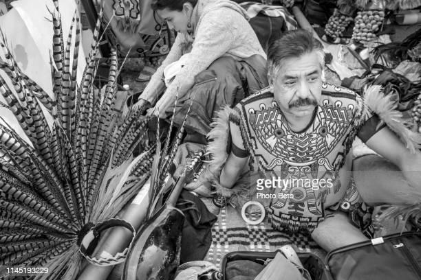 méxico-virgen de guadalupe-nativos-blanco y negro - festival de la virgen de guadalupe fotografías e imágenes de stock