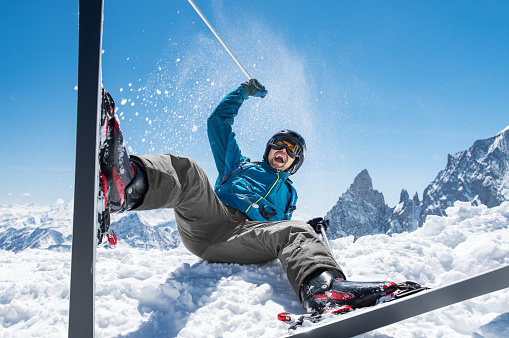 Man enjoying snow ski 831416116