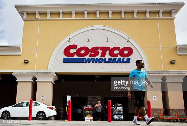 30 Top Inside Of A Costco Store Ahead Of Earnings Pictures