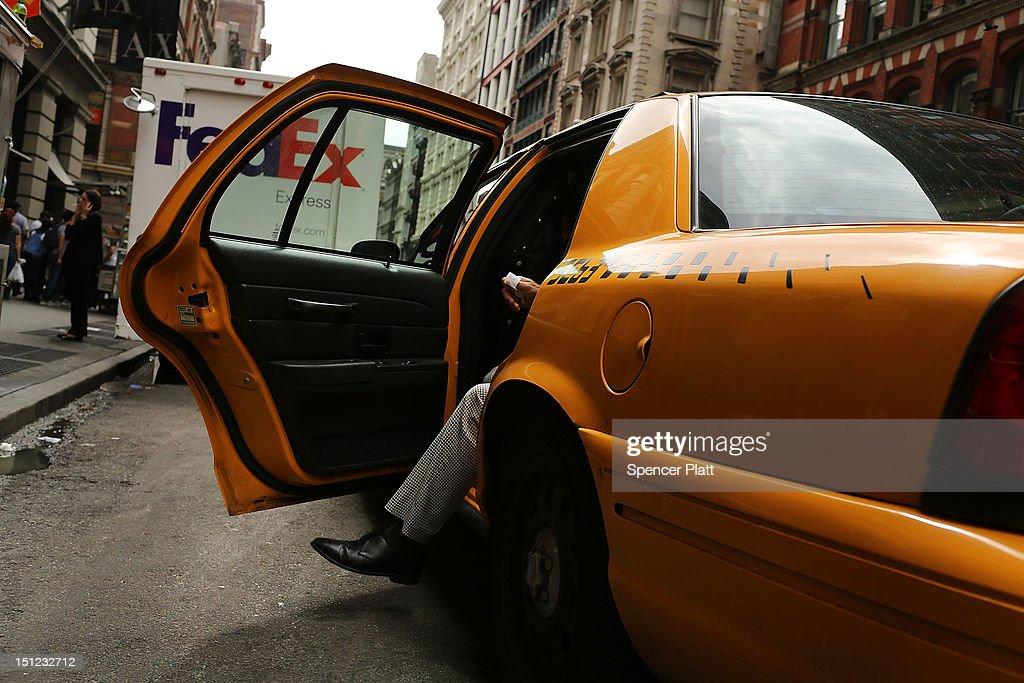 New York City Taxi Fares Rise : News Photo