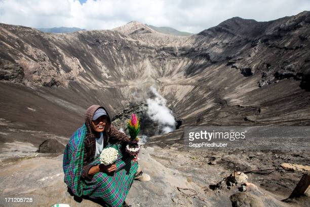 man from tengger tribe at the  caldera of bromo volcano - tengger stock pictures, royalty-free photos & images