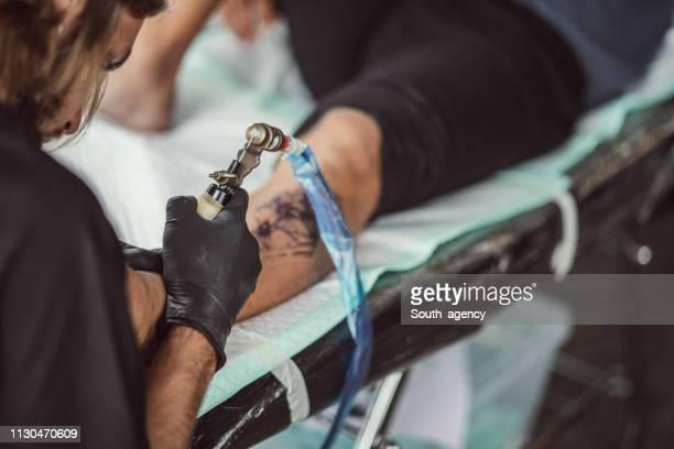 Mann immer ein neues Bein tattoo