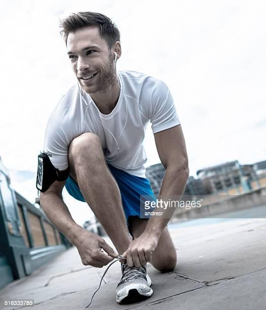Mann immer bereit für einen Lauf