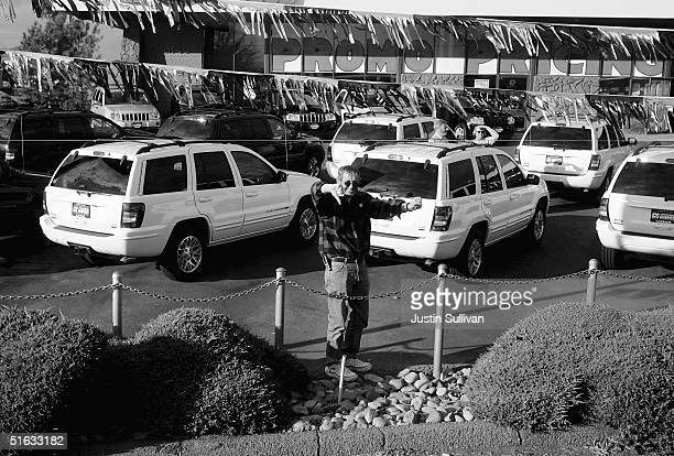 A man gives the thumbs down as Democratic presidential candidate US Senator John Kerry motorcade drives by October 22 2004 in Reno Nevada