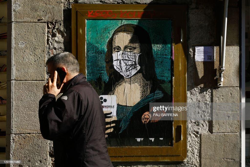 SPAIN-ART-TELECOM-MWC-VIRUS-HEALTH-FEATURE : News Photo