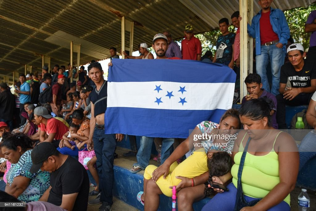 MEXICO-US-MIGRANTS-CARAVAN : News Photo
