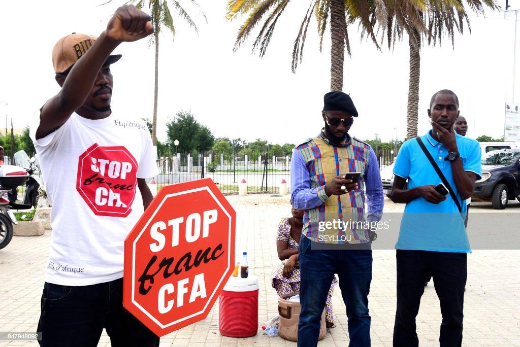 SENEGAL-CURRENCY-CFA-DEMO : News Photo