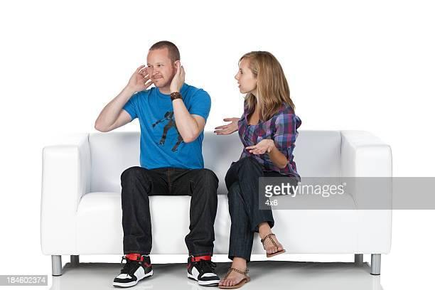 Man 無視、ガールフレンドとの交渉