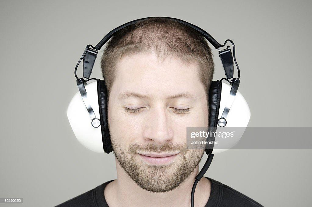 man in headphon : Stockfoto