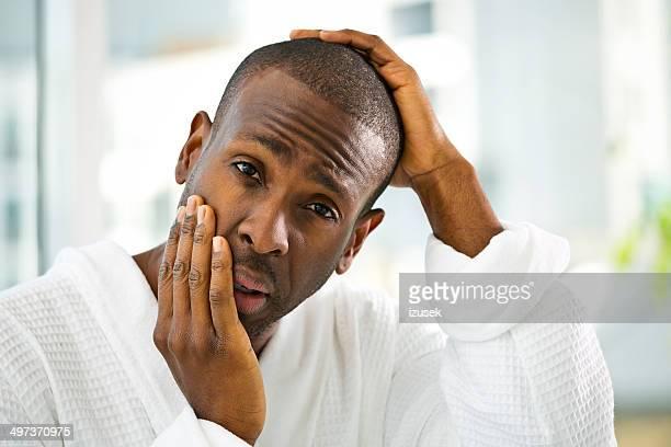 man in the morning - izusek stockfoto's en -beelden
