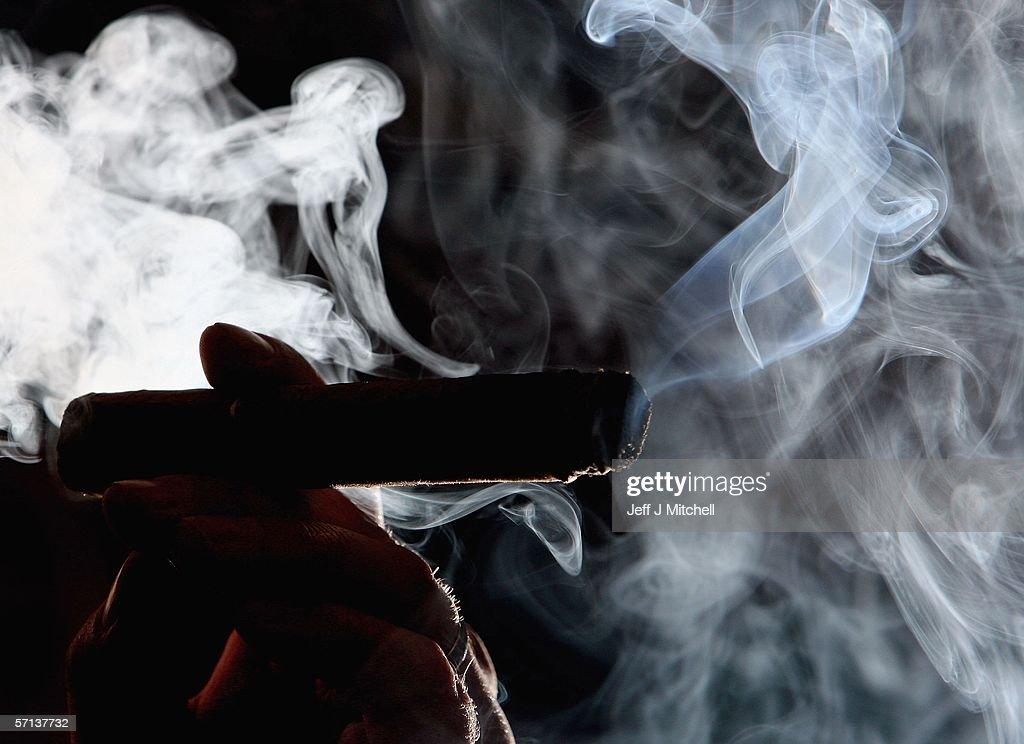 Scotland Prepares For Smoking Ban : News Photo